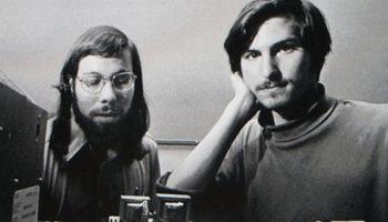 Как заработать миллиарды — Стив Джобс и Стив Возняк: яблоко на двоих