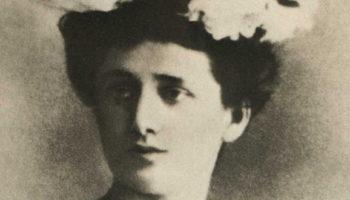 Анна Ахматова биография: поэзия революционных ветров и мировых войн