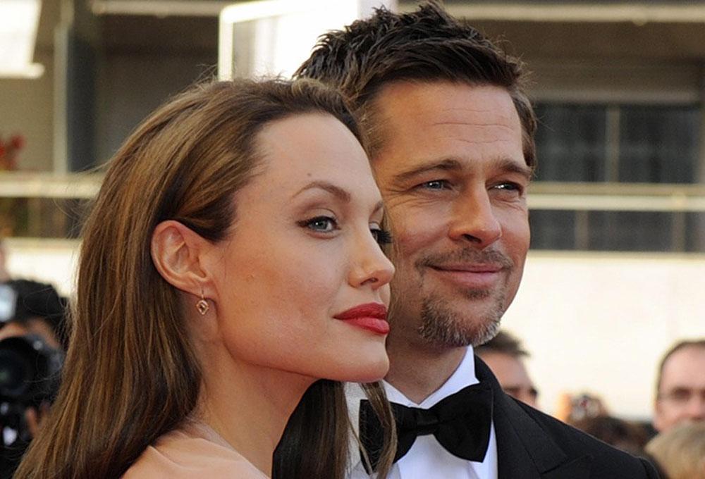 Анджелина Джоли подарок вертолет