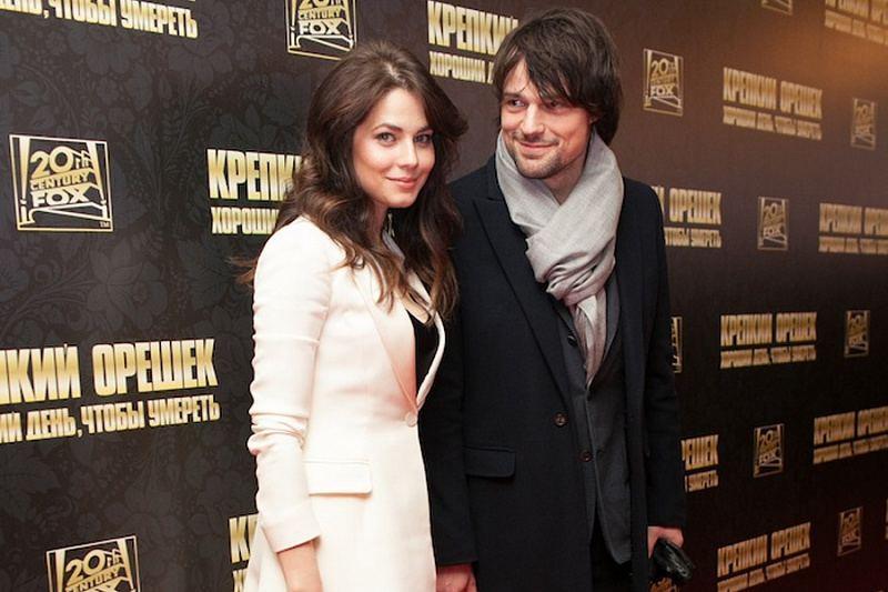 Юлия Снигирь и Данила на светском мероприятии