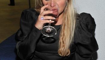 Российские звезды, которые страдали от алкогольной зависимости и не скрывали этого