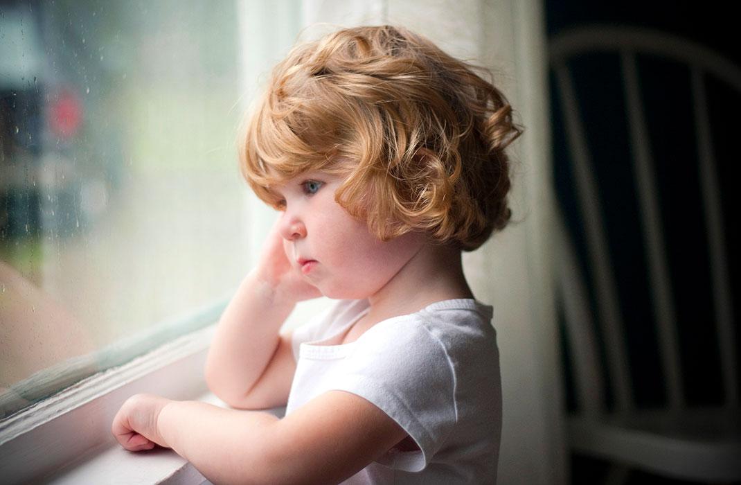 картинки с грустными детками