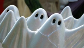 7 звезд, которые утверждают, что сталкивались с привидениями в своих домах