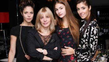 Звездные мамы, которые растят трех дочерей
